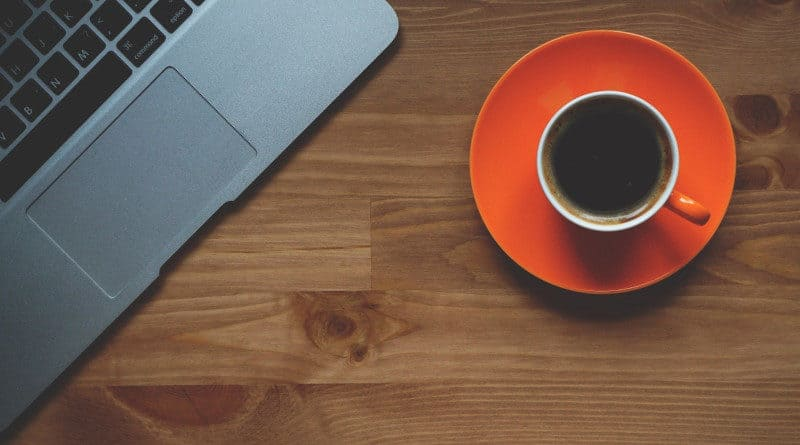 Laptop Kaffee